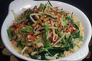 Balinese Vegetables Salad with Coconut Milk Dressing | Jukut Urab