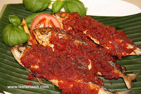 Fried Fish in Chili Sauce